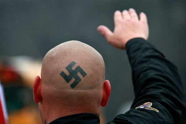 conservadoras - neonazism1 - Pessoas menos inteligentes tendem a ser mais conservadoras e preconceituosas