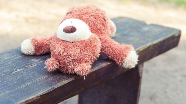 """abuso infantil abuso infantil - 3caef7fbd6f60ced Stressed Girl - A menina que achava que seu nome era """"idiota"""" e outros casos de abuso infantil chocantes"""