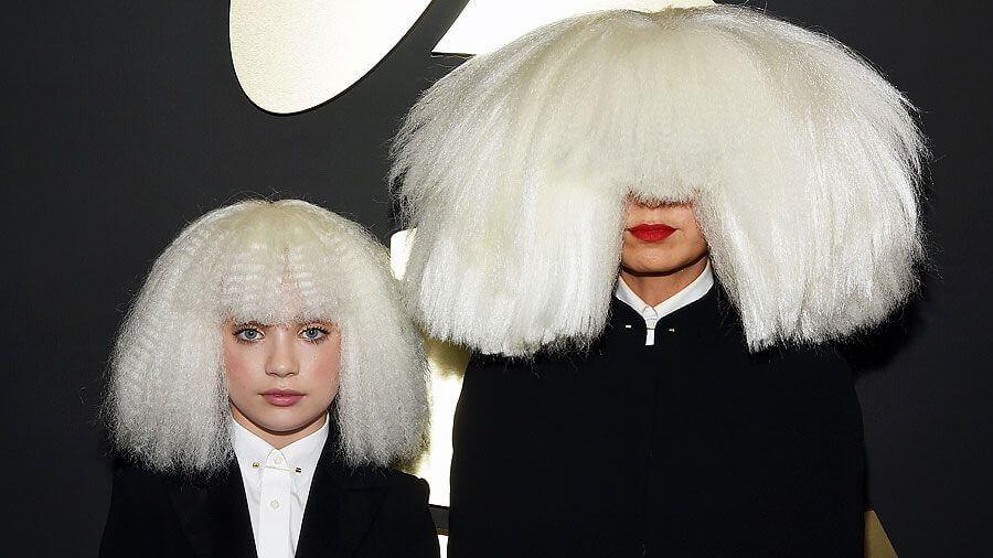 O rosto escondido de Sia:  Dependência e Fobia Social - sia - O rosto escondido de Sia:  Dependência e Fobia Social