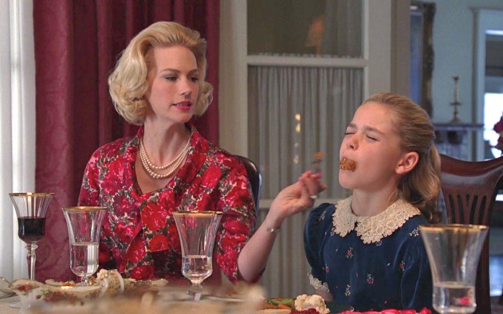 mãe narcisista - m  es narcisistas 1024x640 - Mãe narcisista: É possível sentir inveja da própria filha?