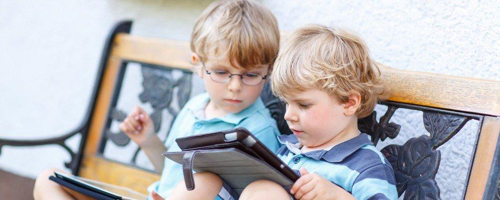 melhor amigo - amigo inteligente 1024x410 - O seu melhor amigo de infância ou adolescência pode influenciar a sua inteligência na fase adulta