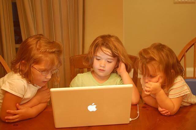 crianças - crian  as precoces - Crianças e a Precocidade. Será que isso é saudável?
