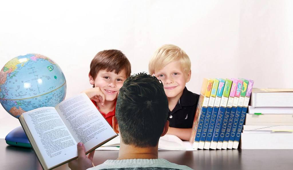- 53034501 1908866799222395 6063961134338146304 n 1024x594 - A intervenção do psicólogo escolar na parceria: família-escola